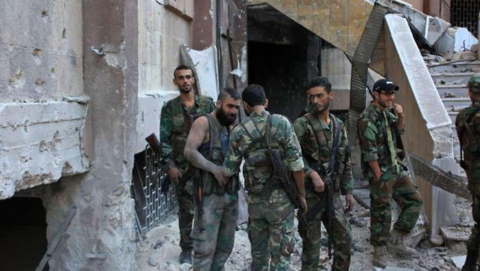 """بعد حريق سيارة.. شبيحة في حلب يستهدفون عناصر من """"مخابرات الأسد"""" (صور)"""
