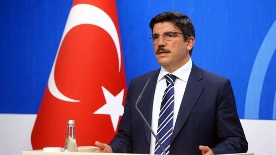 """""""مستشار أردوغان"""" يصدم السوريين الموالين لـ""""نظام الأسد"""" بشأن جنسيتهم التركية"""