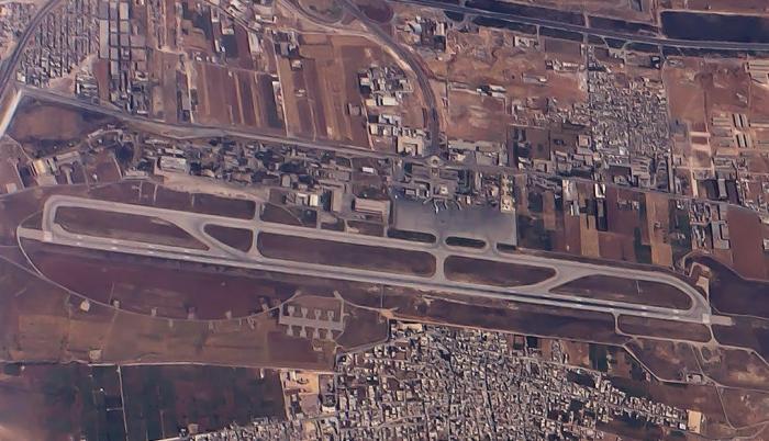 إيران تتحدى روسيا وتسيطر على مطار حلب الدولي