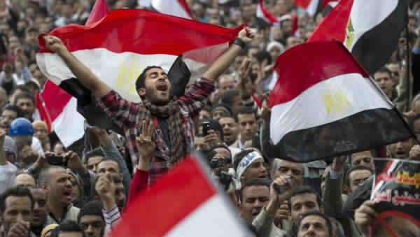 لعنة بشار الأسد تطارد السيسي.. مظاهرات شعبية تعم المدن المصرية تطالب برحيله