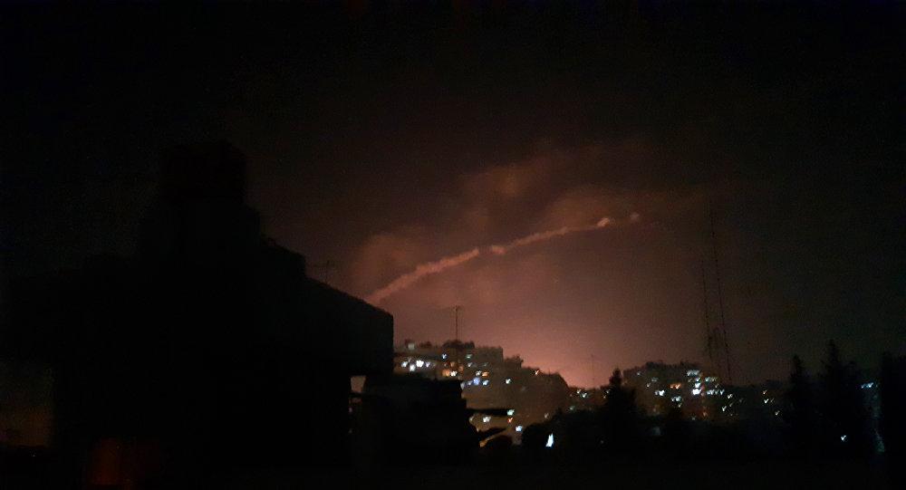 انفجارات عنيفة تهز ليل دمشق.. وإعلام النظام يكشف التفاصيل