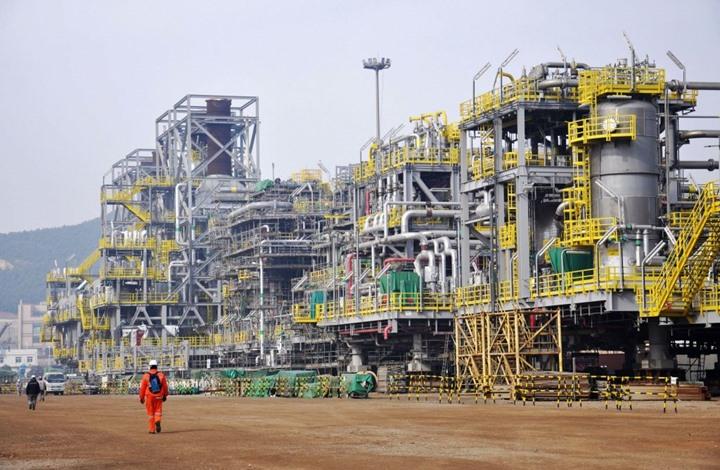 """""""بلومبيرغ"""" تصدم """"بن سلمان"""" وصديقه المقرب: انهيار إمبراطورية النفط يقترب"""