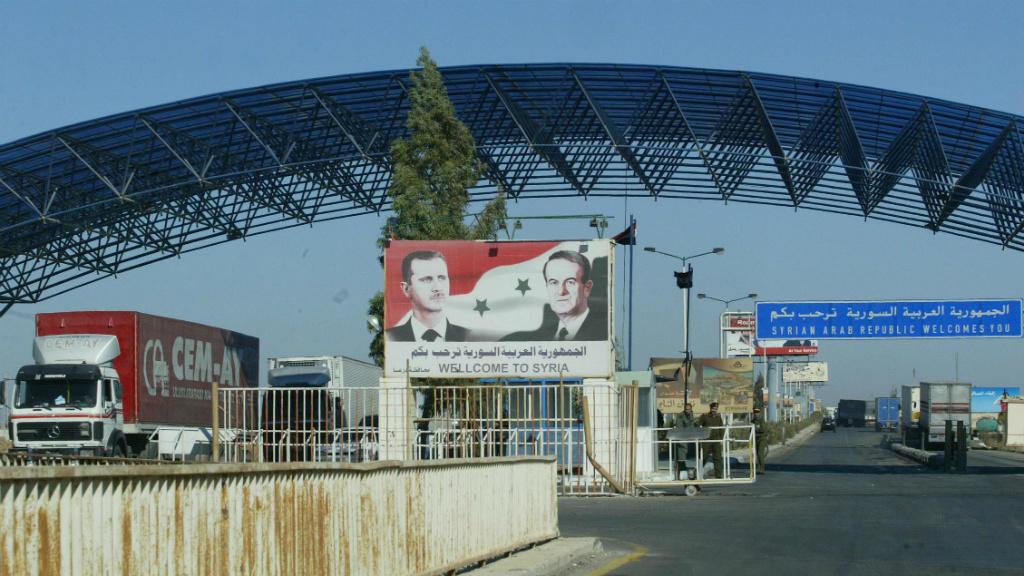 """بعد 9 سنوات اغتراب في السعودية.. """"نظام الأسد"""" يقتل شابا بعد دخوله من معبر نصيب"""