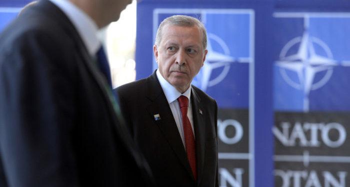 """""""أردوغان"""" يكشف مفاجأة عسكرية صادمة لروسيا و""""نظام الأسد"""" في إدلب"""