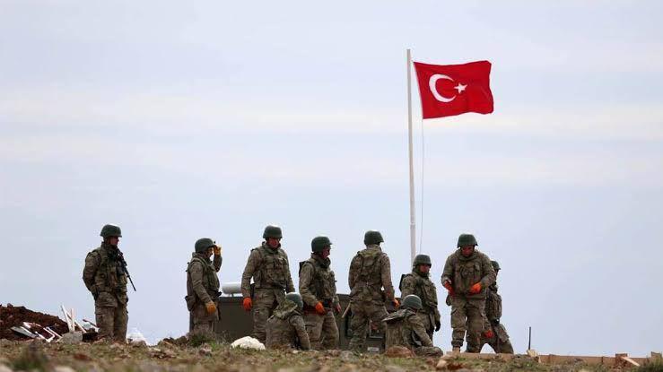 صحيفة : تركيا لديها أوراق قوية لوقف تقدم نظام الأسد على إدلب