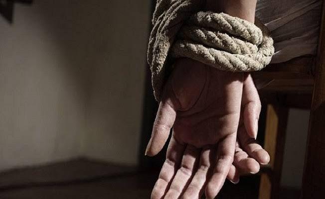 تخطف الفتيات وتجبرهن على الدعارة.. عصابة خطرة تسبب الأرق لسكان حماة