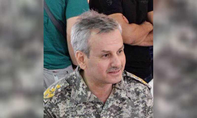 ذبح عقيد طيار منشق أمام زوجته وطفله بإسطنبول.. ومفاجأة صادمة عن هوية القاتل