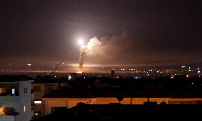 عاجل.. ضربات إسرائيلية من البحر والجو: انفجارات عنيفة تهز دمشق وطرطوس وحمص (صور)