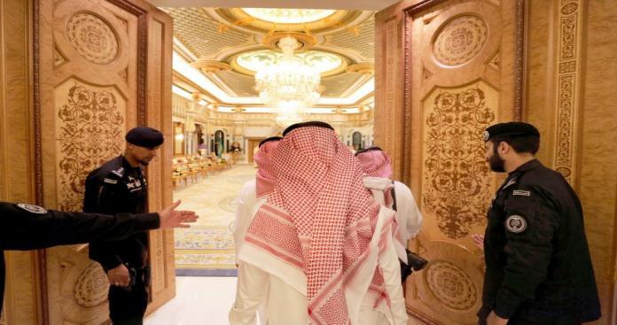 """""""بي بي سي"""" تكشف مفاجأة غير مسبوقة داخل قصر أمير من """"آل سعود"""""""