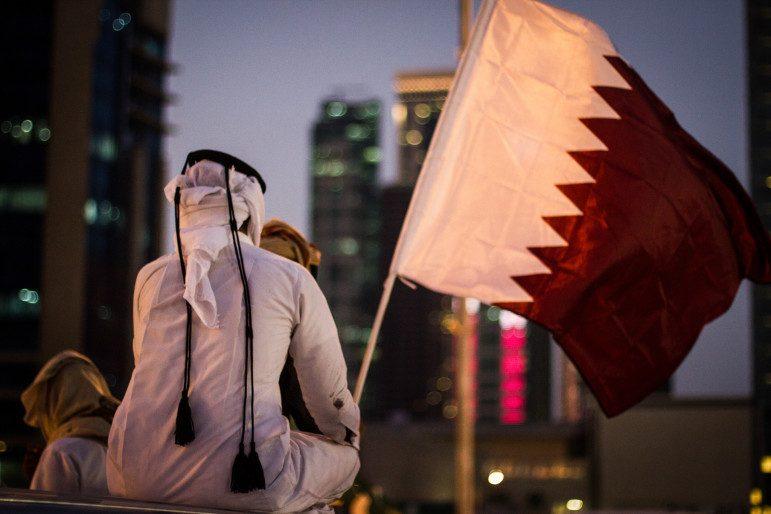 أول سعودي يكسر المقاطعة الخليجية ويسافر إلى قطر.. هذا ما حدث معه بعد العودة للمملكة