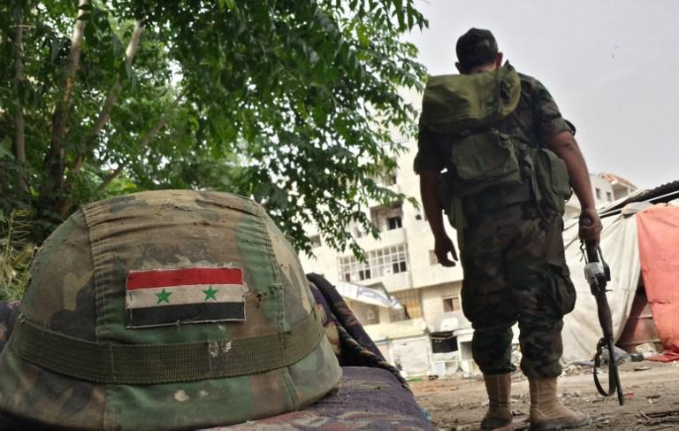 """""""جيش الأسد"""" يفقد ضابطًا برتبة لواء.. وتضارب روايات مقتله (صور)"""