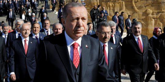 """في ثالث أيام """"نبع السلام"""".. الرئيس """"أردوغان"""" يقوم بزيارة """"غير متوقعة"""" (صور)"""