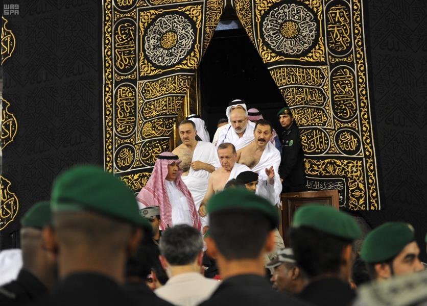 """""""أردوغان"""" ينشر صورة للكعبة ويثير ضجة في السعودية"""