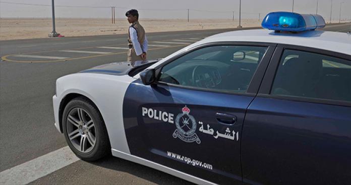 """القبض على مخرب خليجي في سلطنة عمان.. مفاجأة عن علاقته بـ""""بن زايد"""""""