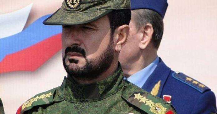 قائد ميليشيا إيرانية يوجه إهانة قاسية إلى سهيل الحسن تتعلق بمعارك إدلب
