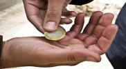 """أجنبية تجني 3 آلاف دولار يوميًا من تسولها بطريقة """"جديدة من نوعها"""" بدبي!"""