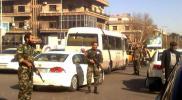 """بعد اشتباكات """"قوات الأسد"""" بدرعا.. شبيح يدهس عنصرين من شرطة النظام في حماة للحصول على البنزين"""