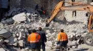 على خطى حلب.. قتلى وجرحى نتيجة انهيار منزل سكني قرب مدينة حماة