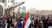 عشرات القتلى والجرحى خلال محاولة فض الاعتصام في الخرطوم..والمعارضة تعلن بدء العصيان المدني