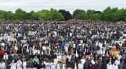 بالصور.. مئات الآلاف من المسلمين يغزون برمنغهام في بريطانيا.. ماذا يحدث؟!