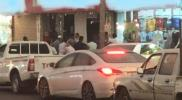 السعودية.. سيارة تقودها فتاة تقتحم متجرين لبيع الملابس (صور)
