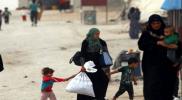 مشهد غير إنساني.. لبناني يطرد عائلة سورية نازحة من خيمتهم (فيديو)