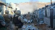 الجيش اللبناني يشن حملة مداهمات لمخيمات اللاجئين في عرسال ويعتقل عشرات السوريين بينهم نساء