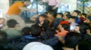فوضى بمديرية التربية في حلب.. موظفو وشرطة الأسد يعتدون على طلاب الثانوية (فيديو)