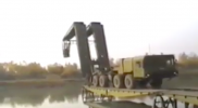 روسيا تنشيء جسرًا حربيًا جديدًا في دير الزور