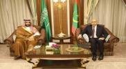 """محمد بن سلمان يلتقي رئيس موريتانيا.. مصادر تكشف تفاصيل """"الزيارة الخاطفة"""""""