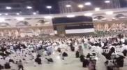 حدث مفاجئ في المسجد الحرام.. سعودي يُثير ضجة بفعله أمام الكعبة (فيديو)