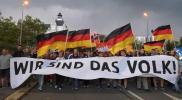 """بدوافع عنصرية.. شبان ألمان يهاجمون لاجئين سوريين في مدينة """"كيمنتس"""" بالسكاكين"""