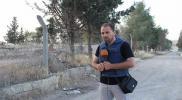 """مراسل قناة الميادين ينضم للمنتقدين لـ""""الأسد"""" ويسخر من دعوات عودة اللاجئين إلى سوريا"""