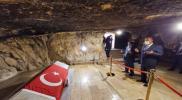 سرّ القبر الذي زاره وزير الخارجية التركي تحت الأرض في الأردن (صور)