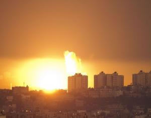 طائرات الاحتلال الإسرائيلي تشن سلسلة غارات على مواقع للمقاومة بغزة
