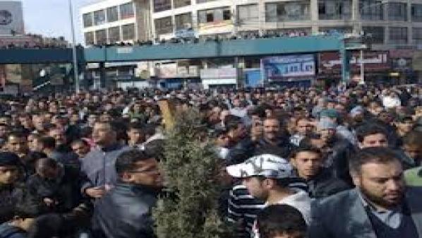 """مظاهرات محافظة """"الزرقاء"""" الأردنية للمطالبة 10943298307c8b3cfb5ea55fc4d42ff1.jpeg?itok=tHhnJOq8"""