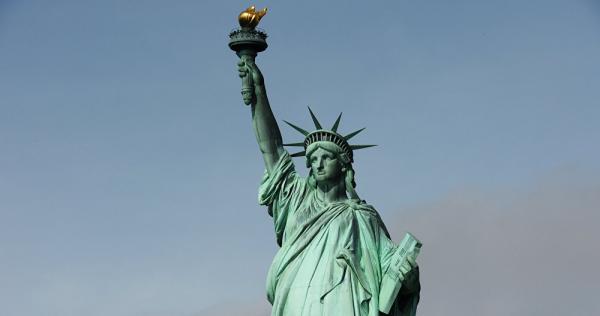 تمثال الحريه في جده