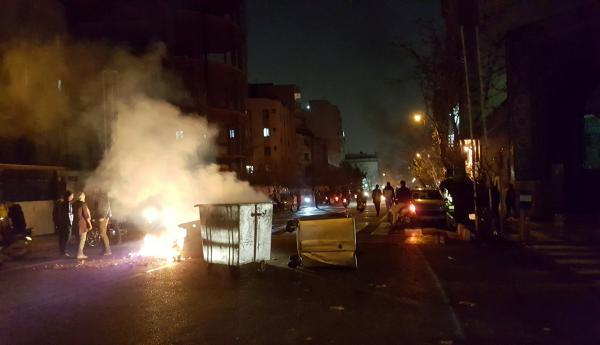 هل ثمة ثورة ثانية في إيران؟
