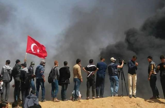 """شهيد فلسطيني أحب """"أردوغان"""" ووصيته أن يشيع ملفوفًا بالعلم التركي (صور)"""