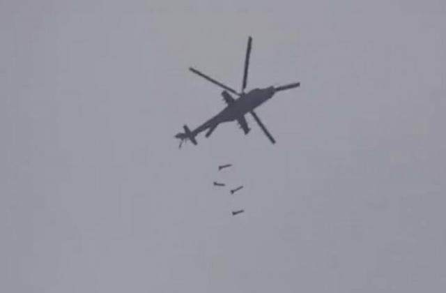 نظام الأسد يستأنف القصف بالبراميل المتفجرة لأول مرة منذ إعلان وقف إطلاق النار شمال غرب سوريا