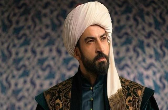 """بعد واقعة بطل مسلسل محمد الفاتح.. ممثلة تركية: """"أردوغان ليس الله"""""""