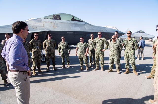 يلعبون الشطرنج والـ GAMES.. أسرار عودة القوات الأمريكية إلى السعودية بعد 17 عاما