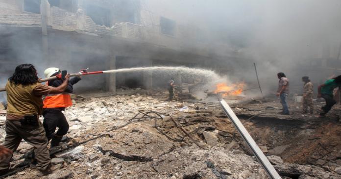 """سقوط جرحى مدنيين إثر قصف قوات """"الأسد"""" عين ترما بالخراطيم المتفجرة"""