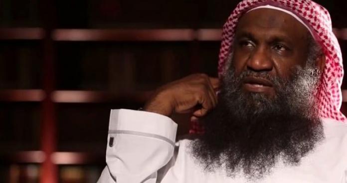 الداعية السعودي عادل الكلباني يتحدث ظاهرة غريبة تنتشر بين الفتيات في المملكة (فيديو)