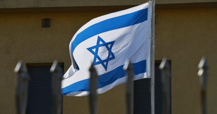 """إسرائيل تعلن شطب دولة عربية من """"قائمة الأعداء"""""""
