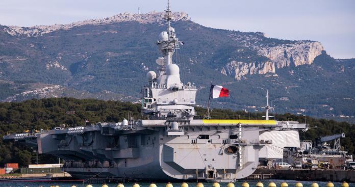 """فرنسا تعلن عن مهام جديدة لحاملة الطائرات """"شارل ديغول"""" في سوريا"""