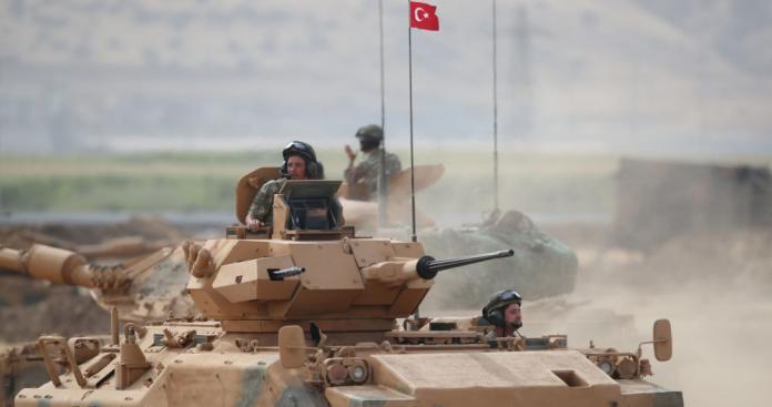 وزير الدفاع التركي يعلن إرسال قوات عسكرية إلى ليبيا