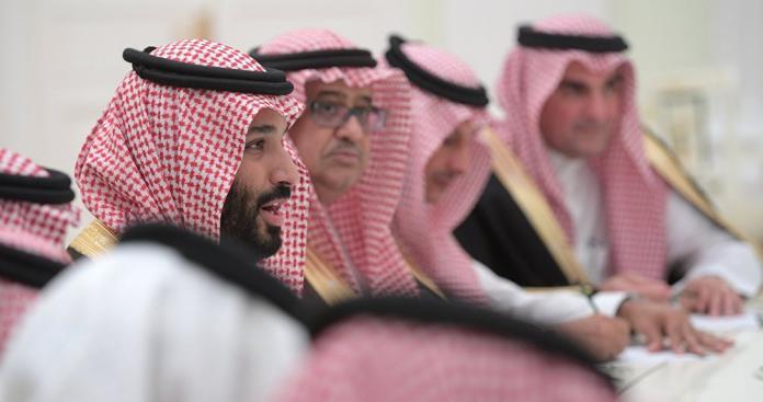 """غير الكويت.. زيارة """"غير متوقعة"""" لـ""""محمد بن سلمان"""" لهذا المكان (صور)"""