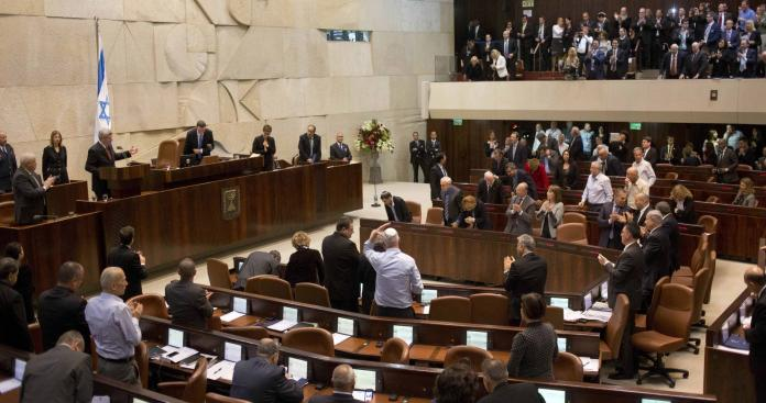 الكنيست يصدر قانونا يسمح بإقصاء النواب العرب