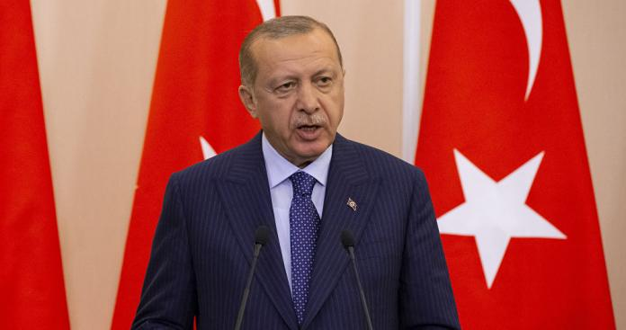 أردوغان يتعهد بإقامة منطقة آمنة شمال سوريا ويتحدث عن الوضع في إدلب